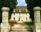 FRONT-OF-CHATEAU